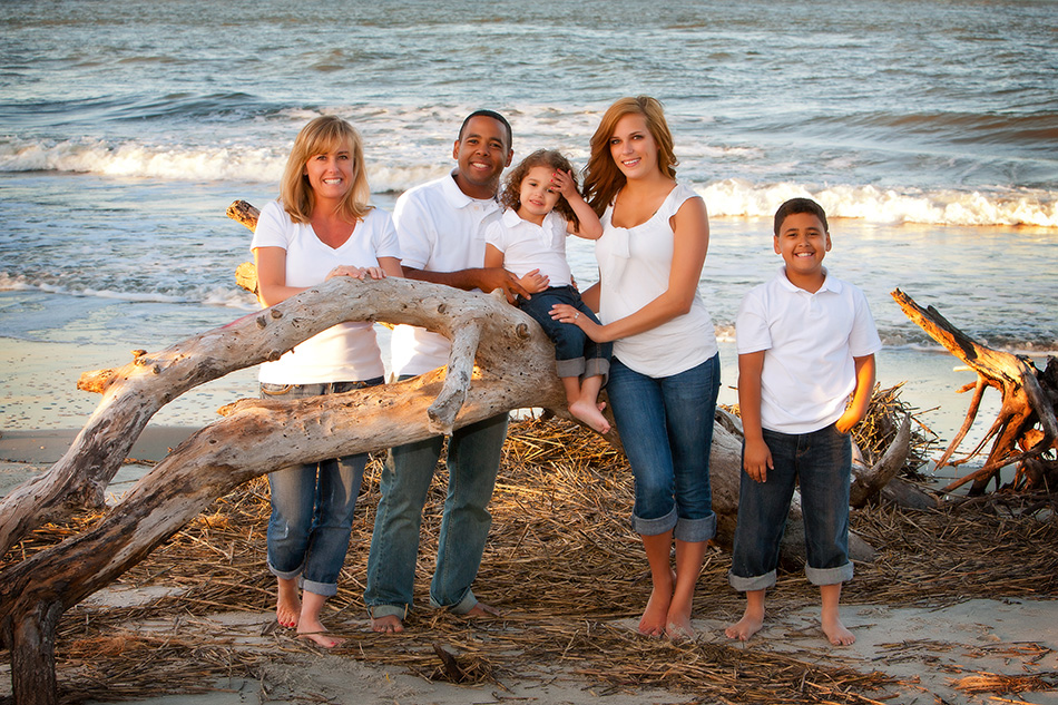 Family-at-Morris-Island-trees